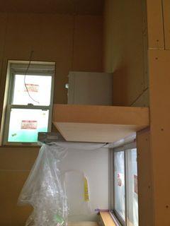 キッチンの棚の照明穴あけ前.jpg
