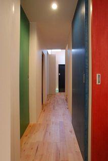 15 1階廊下.jpg