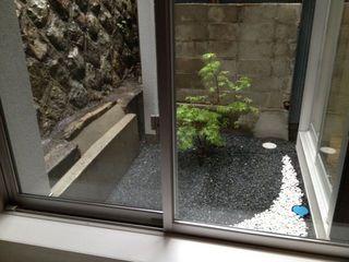 お風呂から見た庭.jpg