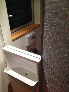 トイレの手洗い器.jpg