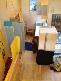 冷蔵庫を2階へ上げる.jpg