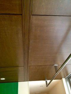寝室の吊り戸用のレール.jpg
