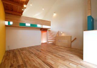 2階西面全体写真(家具搬入前).jpg