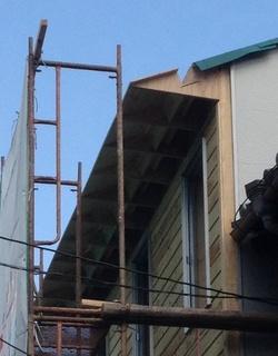 屋根の雨樋.jpg